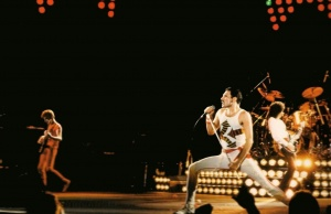 Lead Singer Of Queen Freddie Mercury Kept Private Life A Secret Until The Day Before He Died