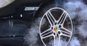 OMG! Are Water Powered Cars Being Suppressed By Government and Oil Company Thugs?