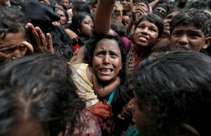 Pictures of the Year: Persecuted Rohingya Muslims flee violence in Myanmar