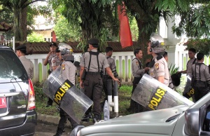 Australian, American, Malaysian Arrested in Indonesia's Bali for Drugs