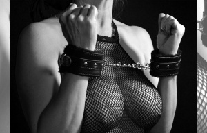 OMG! Experts Claim BDSM Good For Mental Health!