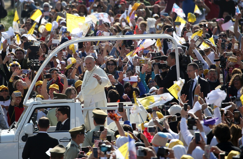 Pope Francis arrives to leads a mass at the O'Higgins Park in Santiago