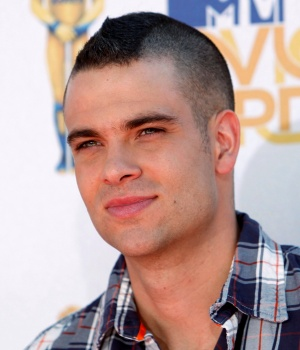 Actor Salling arrives at the 2010 MTV Movie Awards in Los Angeles