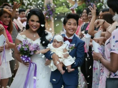 The Wider Image: Arranged marriage to Facebook: what's your love story?