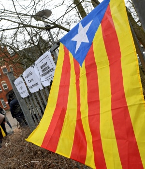 An Estelada (Catalan separatist flag) is seen in front of the prison in Neumuenster
