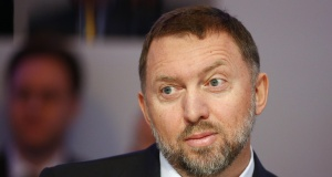 """Russian tycoon and President of RUSAL Oleg Deripaska listens during the """"Regions in Transformation: Eurasia"""" event in Davos"""