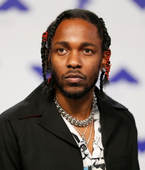 Musician Kendrick Lamar arrives at the 2017 MTV Video Music Awards in Inglewood