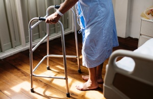 Fall prevention gets harder when elderly leave hospital