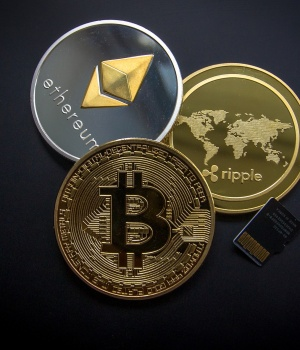 South Korean cryptocurrency executives detained over alleged embezzlement