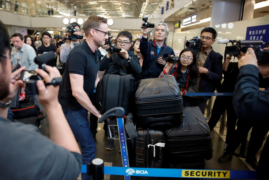 CNN's Will Ripley arrives at Beijing aiport to board a plane to North Korea in Beijing