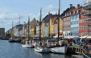 Denmark to school 'ghetto' kids in democracy and Christmas
