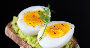 Egg a day tied to lower risk of heart disease