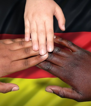 Ending long row, German government agrees migrant family policy