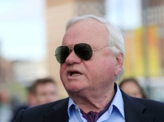 Norwegian-born shipping tycoon Fredriksen speaks in Oslo