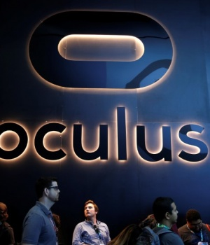 People line up at the Oculus booth at the E3 Electronic Expo in Los Angeles