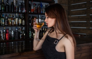 Drinking while breastfeeding tied to cognitive problems in young kids