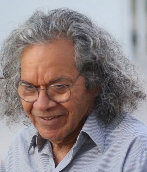 The billionaire founder of Insys Therapeutics Inc. John Kapoor, exits the federal court house after a bail hearing in Phoenix