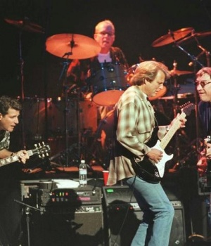 American rock group The Eagles, shown performing in 1998 in London, Britain REUTERS/David McNew