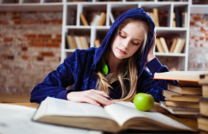 Sleep may impact college grades more than drinking or drugs
