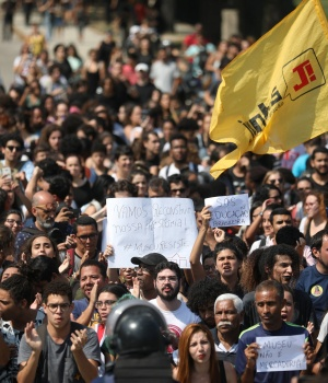 People protest in front of the National Museum of Brazil in Rio de Janeiro