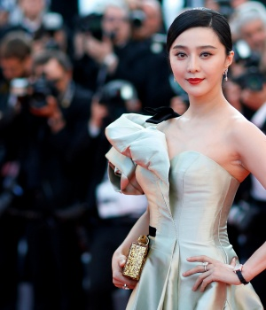 Fan Bingbing poses at 71st Cannes Film Festival