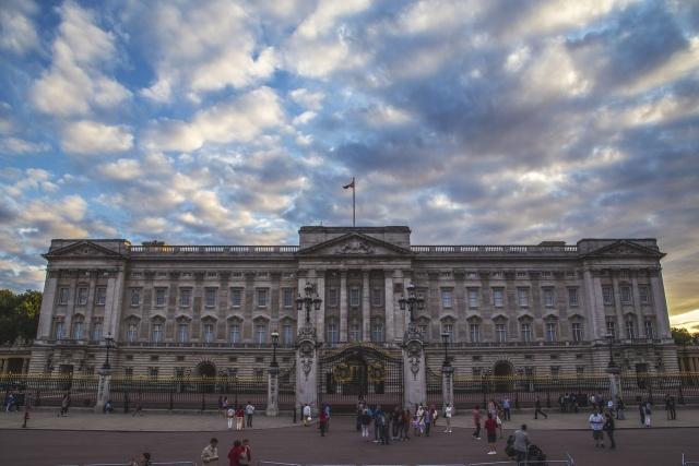 Queen Elizabeth to vacate her Buckingham Palace rooms for refit: aide